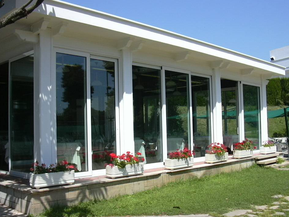 Constantin porte finestre in pvc a torino for Serramenti pvc torino prezzi